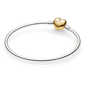 Sterling Silver Bangle with Pandora Shine ™ Heart Clasp
